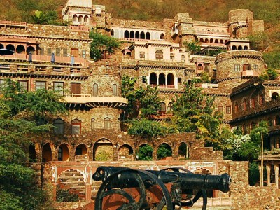 Neemrana Tourism and Travel Guide