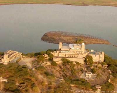 Sardar Samand Lake