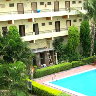 Hotel Navratan Palace