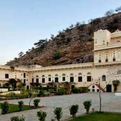 Hotel Castle Kalwar
