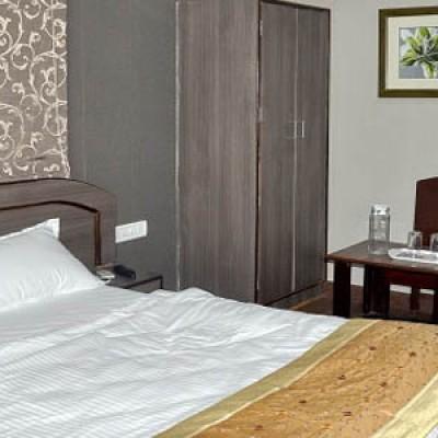 Hotel Rajawat Manor