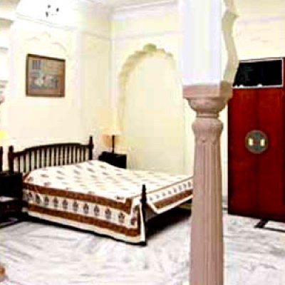 Hotel Janak Palace