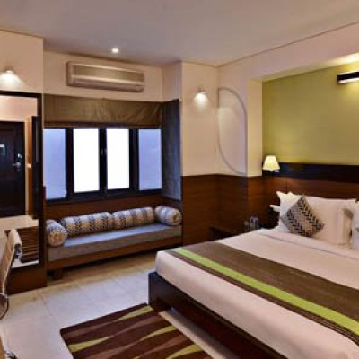 Leisure Inn Grand Chanakya