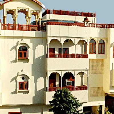 Hotel Radholi House