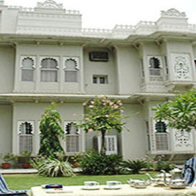 Udaipur Hotels 3 Star Udaipur Deluxe ...