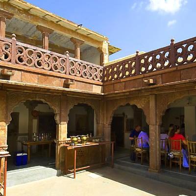 Hotel Chandelao Garh