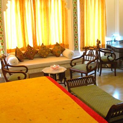 Hotel Raj Niwas
