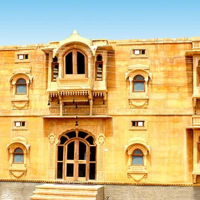 Hotel Marina Mahal