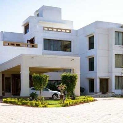 Hotel Lariya