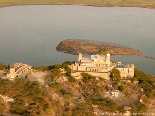 Sardar samand lake