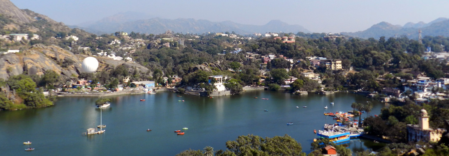 Nakki Lake in Mount Abu, Rajasthan