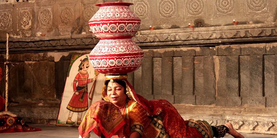 Dance essay in hindi