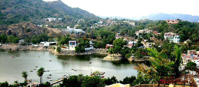 2 Nights Romantic Weekend in Mount Abu