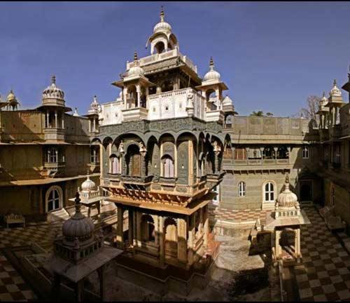 Ek Thambiya Mahal, Dungarpur