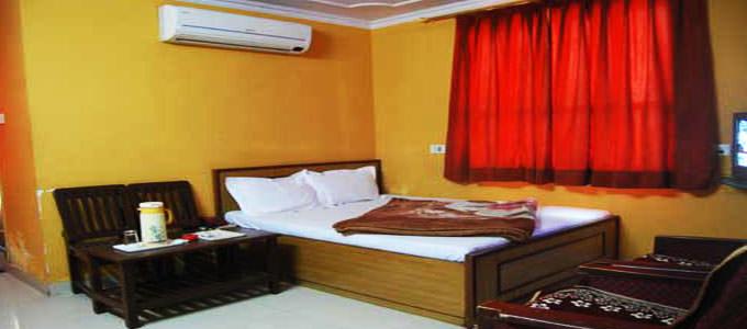 Abhinandan Inn Hotel in Jaipur