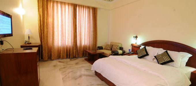 Hotel Maxima Resort in Jaipur