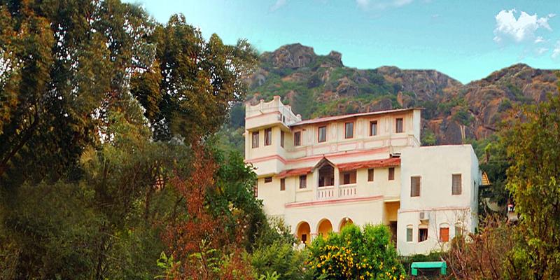 Hotel-Krishna-Niwas