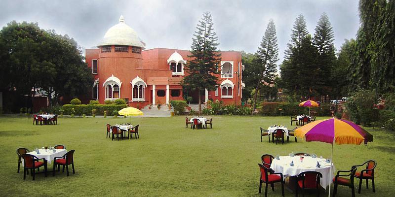 Oriental Palace Resort