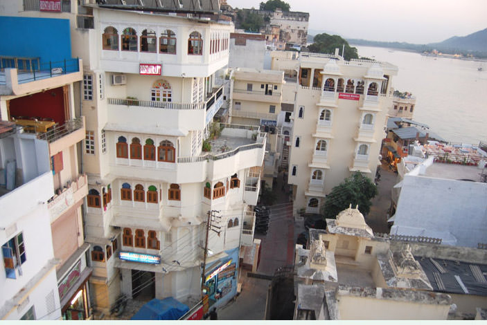 Hotel Lake Ghat palace