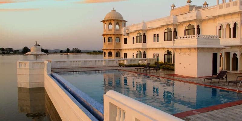 Hotel Lake Palace Nahargarh