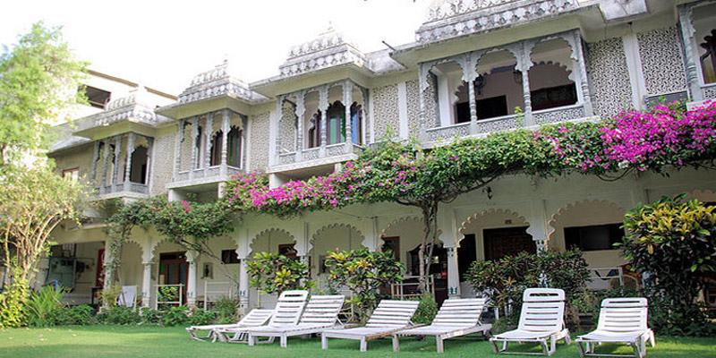 Udaipur Hotels 3 Star Hotel Rangniwas...