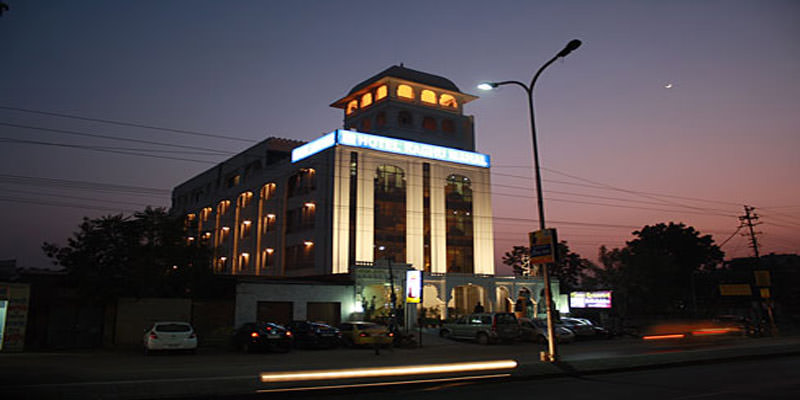 Hotel Raghu Mahal