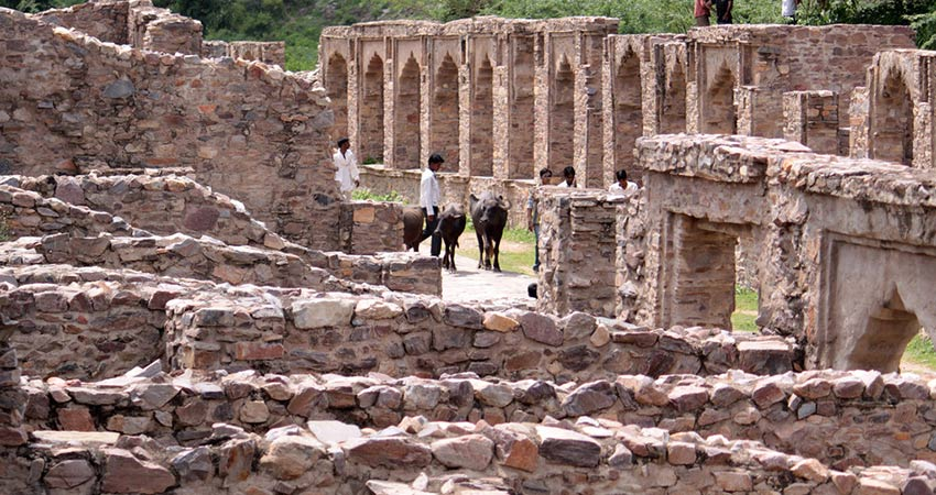 Inside Bhangarh Fort in Rajasthan
