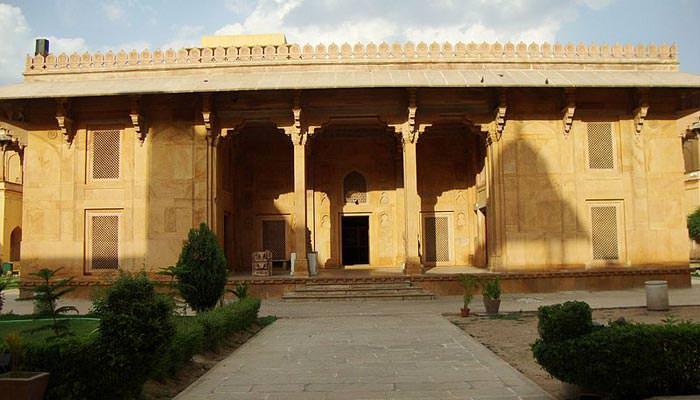Akbari-Fort-&-Museum