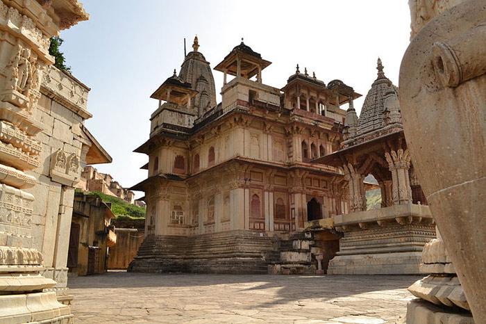 Jagat-Shiromani-Temple-Amer