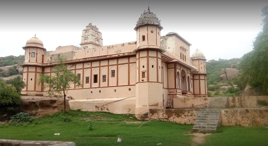 Shri-Mansa-Mata-Mandir-Hasampur
