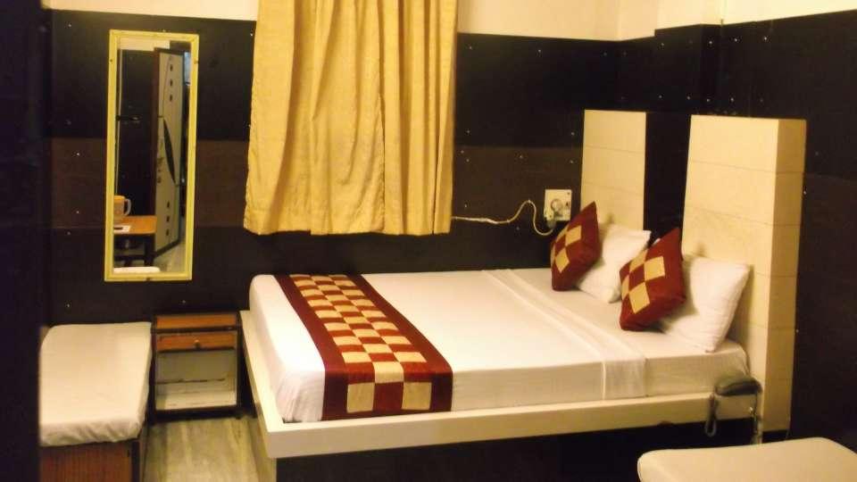 Hotel Abhineet Palace